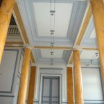 Château des Vaux Rénovation du hall d'entrée Murs, médaillons, moulures, faux marbre colonnes
